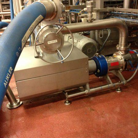 Saus-productie - Pindasaus en mayonaise - Bornemann SLH-4G spindelpomp